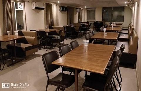 Foodie-Garden & Family Restaurant